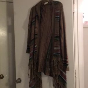 Long fringed bottom open sweater. Umgee. SZ L